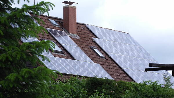 Themenbild: Hausdach Solar