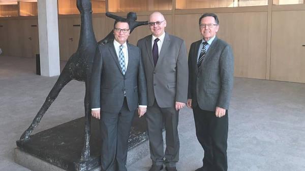 Themenbild: Minister Peter Hauk mit Landesvorstandsvorsitzenden Harald Klatschinsky und Peter Sitte