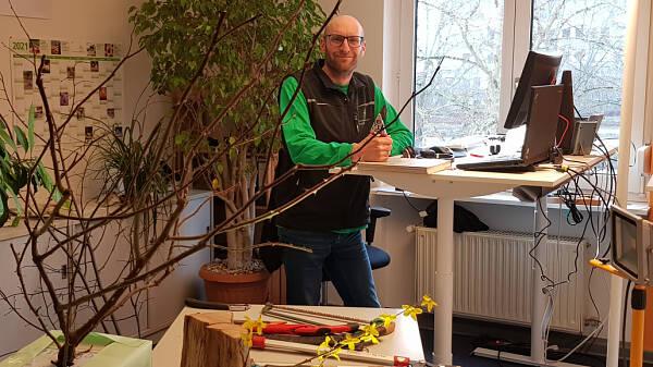 Themenbild: Büro der Gartenberatung zum Online Vortrag