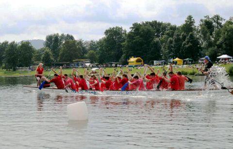 Boot im Rennen