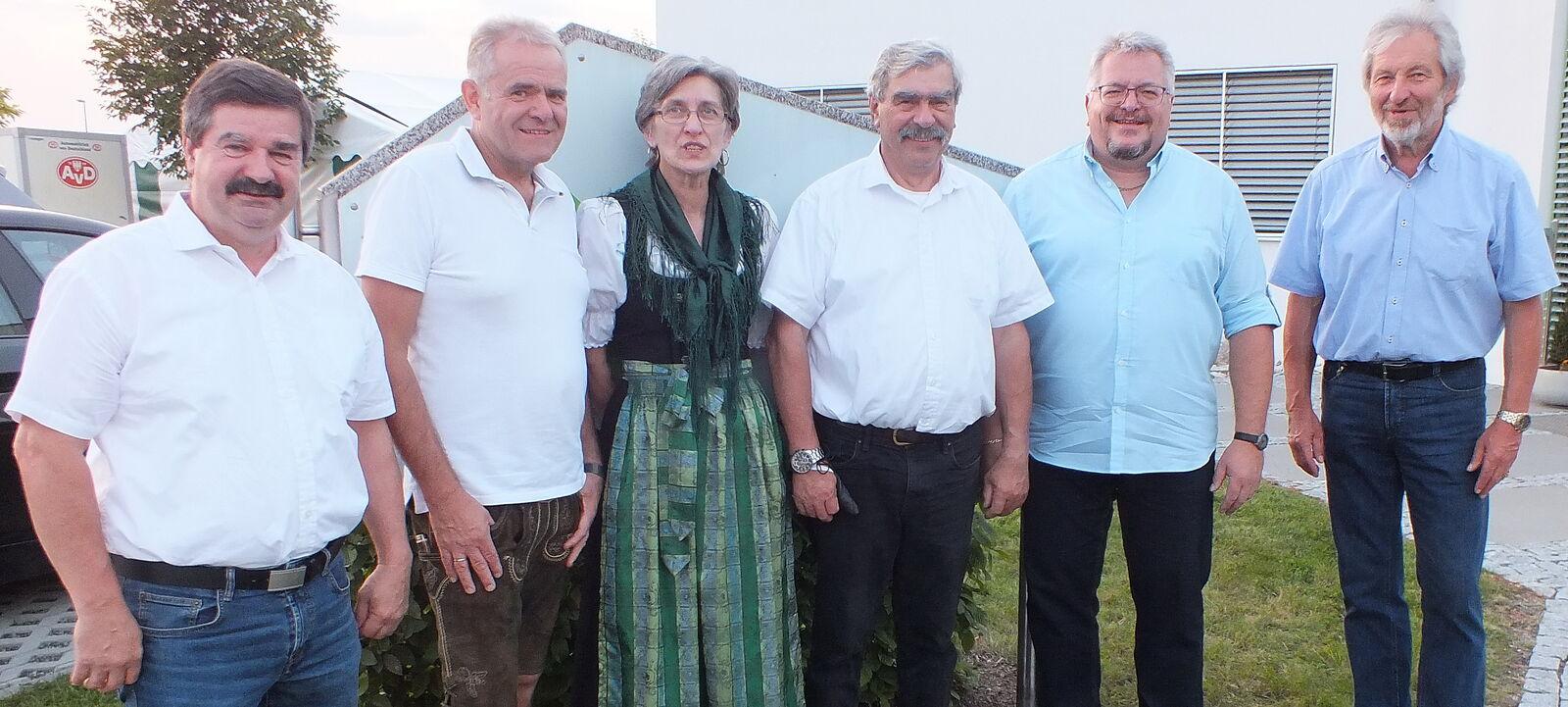 Klara Hauer und die Vorstandschaft