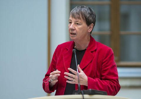 Bundesministerin Barbara Hendricks bei ihrer Rede zum Amtsantritt, am 18. Dezember 2013.