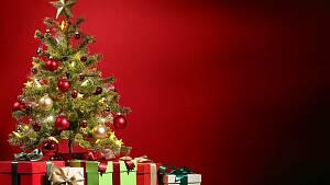 Baum mit Geschenken