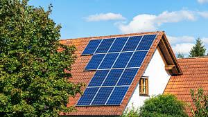 Haus mit Solarpanelen