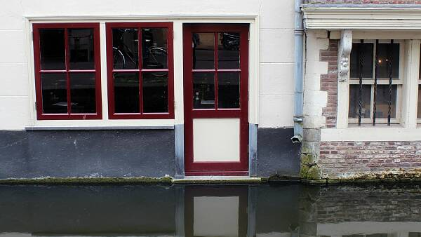 Themenbild: Straße mit Hochwasser
