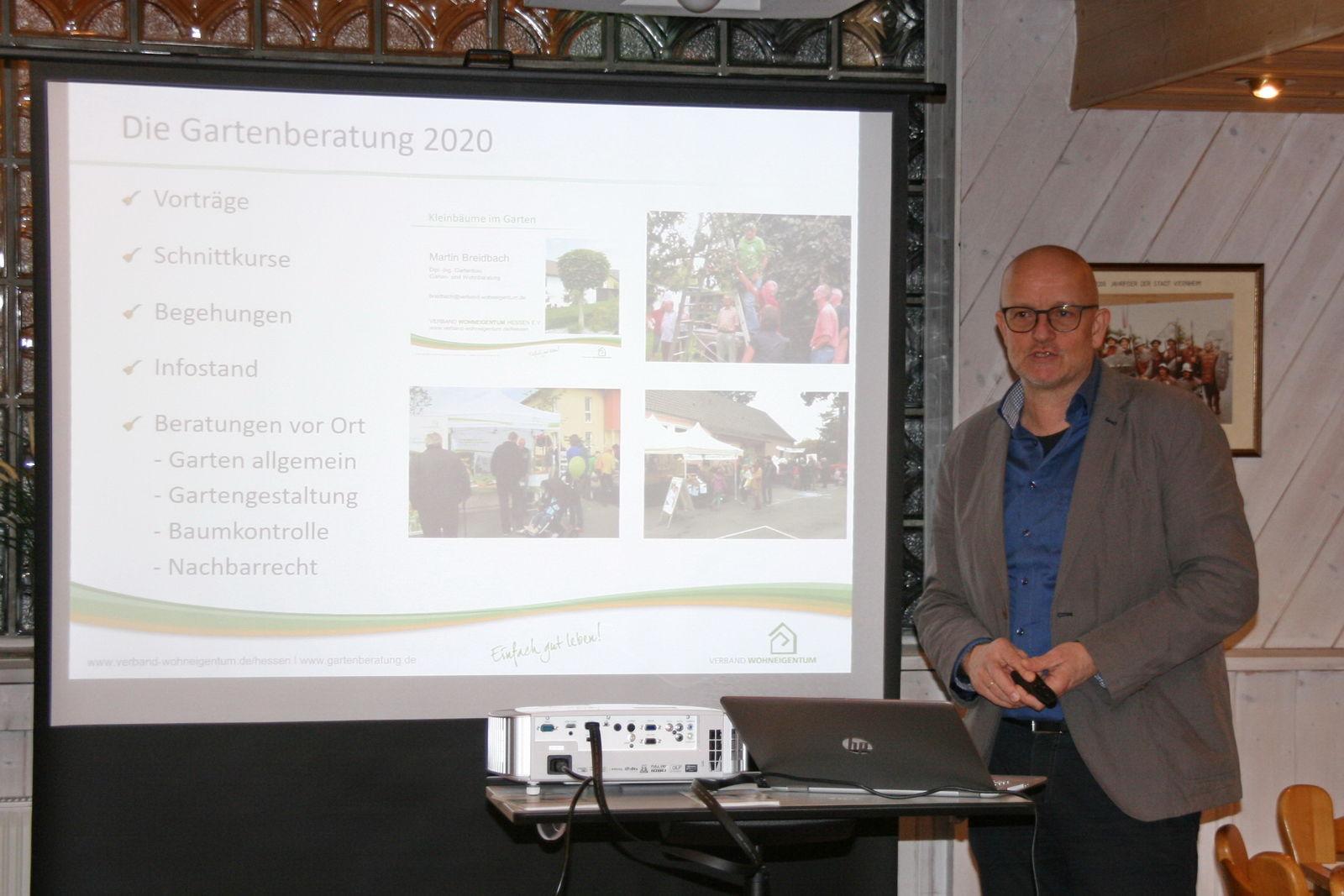 Martin Breidbach während des Vortrages