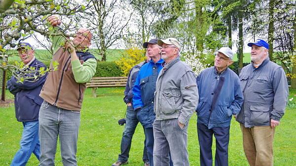 Themenbild: Martin Breidbach mit den Mitgliedern aus Solz