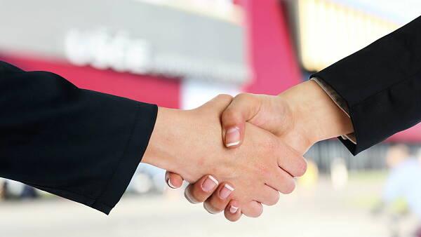 Themenbild: Hand in Hand mit unseren Partnern