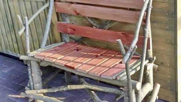 Themenbild: Gartenbank aus Wildholz