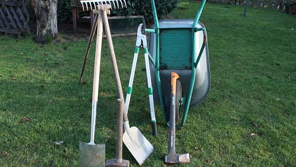 Themenbild: Arbeitsgeräte