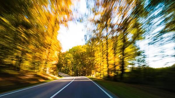 Themenbild: Auf der Straße nach Neu Aschbach