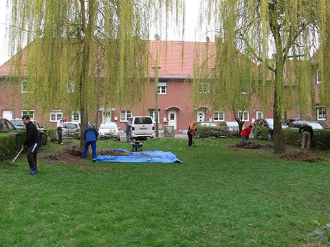 Frühjahrsputz in der Weidenhof-Siedlung