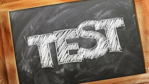 """Themenbild: Tafel mit Beschriftung """"TEST"""""""