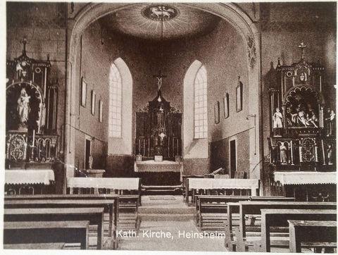 Innenraum der Kathl. Kirche