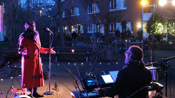 Musik gegen Corona-Blues: Adrienne Morgan Hammond in Köln-Nippes.