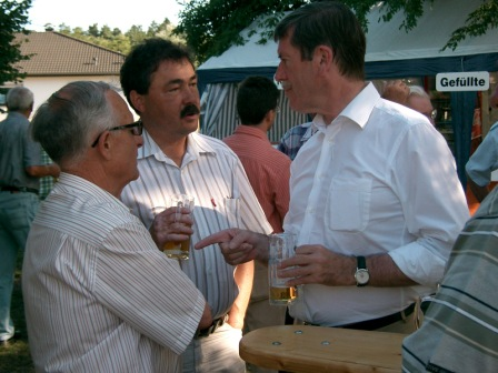 Alt-Bürgermeister Arno Hussong, Bürgermeister Armin Hochlenert und Landrat Clemenz Lindemann