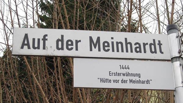 Themenbild: Strassenschild 'Auf der Meinhardt'