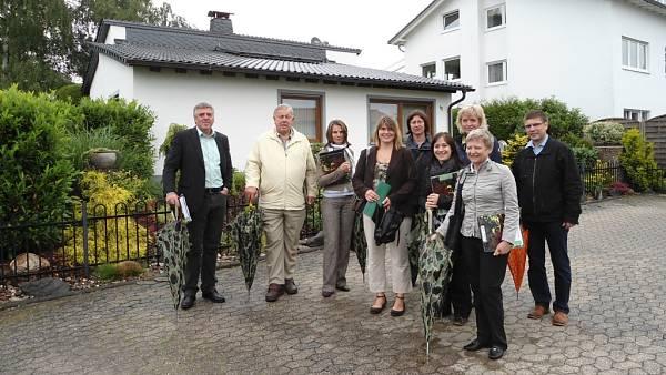 Themenbild: Gruppenbild: Die Bewertungskommission mit Hans-Peter Kuhl (VG Vallendar) und Michaela Jindra (Vorsitzende SGV)